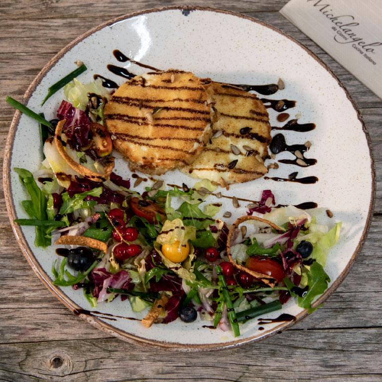 Hähnchen mit Balsamico Dressing und Salat